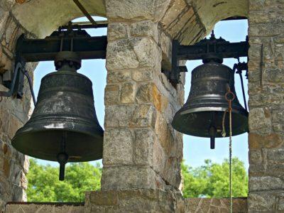 """""""A zvony zvoní"""""""
