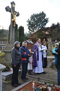 Dušičková pobožnost 4. 11. 2018 na hřbitově v Jimramově